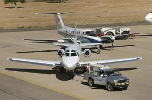 avionetas en los recorridos del aeropuerto jorge wilsterman