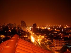 calles nocturnas en cochabamba