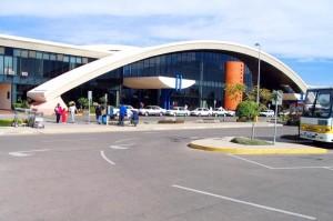 vista frontal del aeropuerto jorge wilsterman