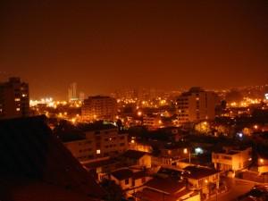 vista nocturna en la ciudad de cochabamba